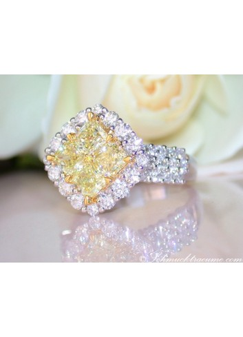 Magnificent Yellow Diamond Ring