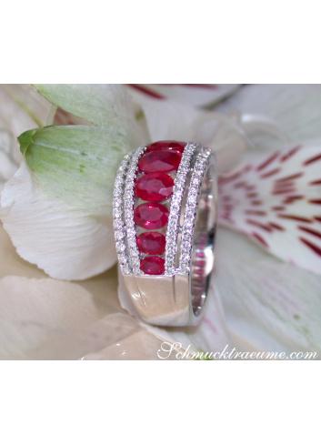 Charmanter Rubin Ring mit Brillanten in Weißgold 750