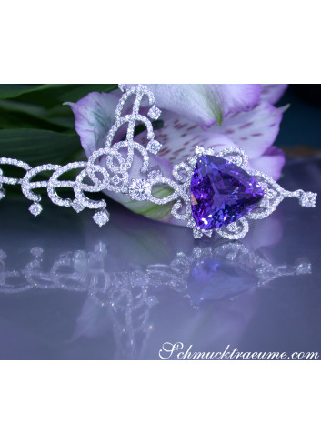 Luxurious AAA Tanzanite Necklace with Diamonds (15,88 ct.)