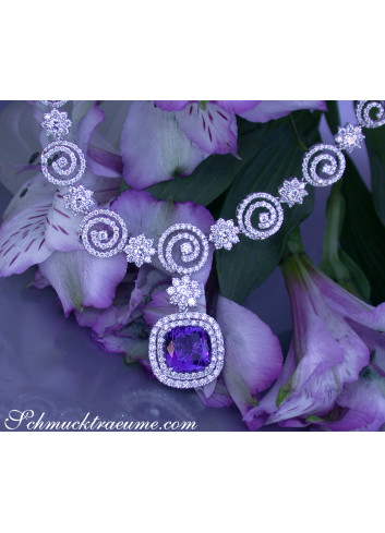 Fantastic AAA Tanzanite Necklace with Diamonds