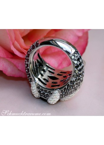 Opulent Onyx Ring with Black & White Diamonds