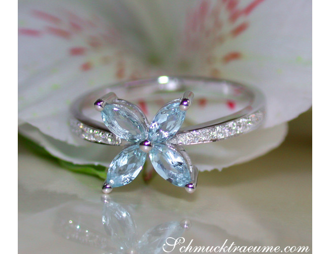 Delicate Aquamarin Blossom Style Ring with Diamonds