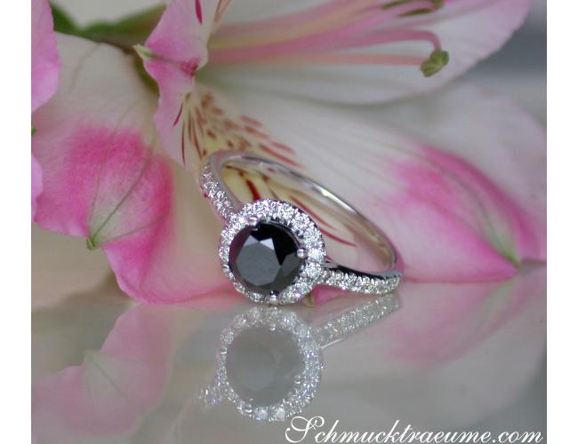Schwarzer Diamant Solitär Ring / Verlobungsring in Weißgold