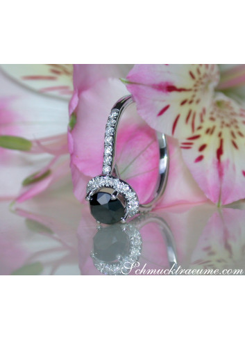 Pretty Black Diamond Solitaire Ring with White Diamonds