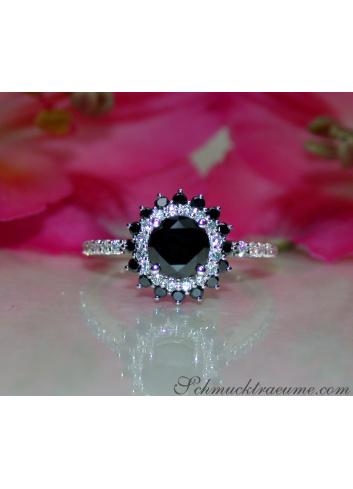 Schwarzer Diamant Solitär Ring / Verlobungsring in Weißgold 585