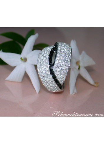 Entwined Diamond Ring with Black Diamonds