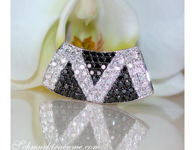 Anhänger mit schwarzen Diamanten