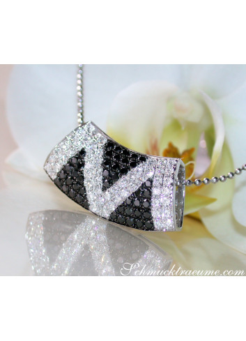 Striking Black & White Diamond Zig Zag Pendant