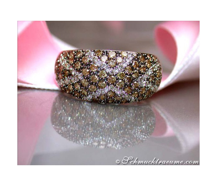 Interesting brown / white diamonds ring