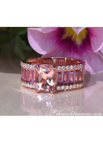 Exquisite Morganite Ring with Pink Sapphires and Diamonds