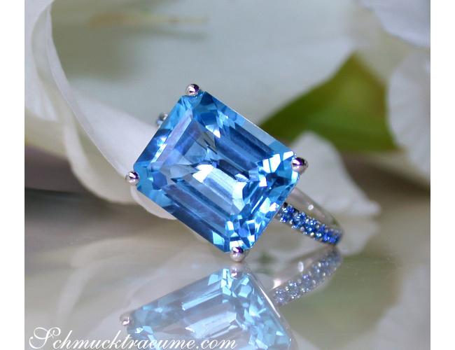 Blautopas Ring mit Saphiren