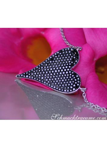 Extravagant Black Diamond Heart Necklace