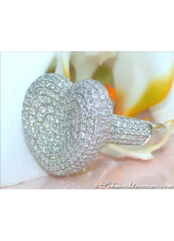 Magnificent Diamond Heart Ring in White gold 18k