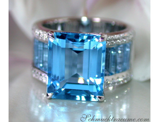 Blautopas Ring mit Diamanten