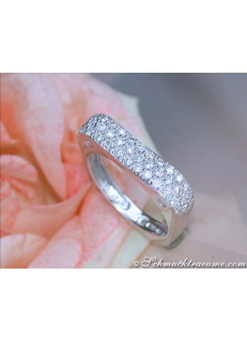 Edgy Diamond Ring