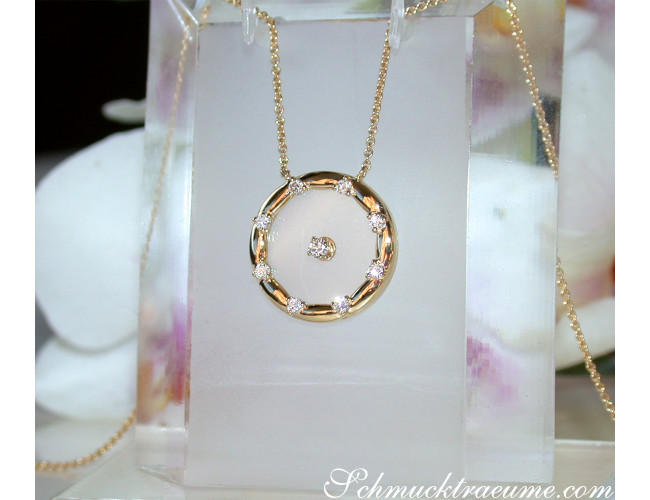 """Enchanting """"Floating"""" Diamond Necklace with Sapphire Glass"""
