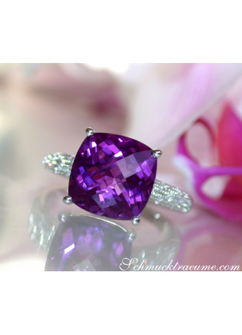 Amethyst Ring mit Diamanten