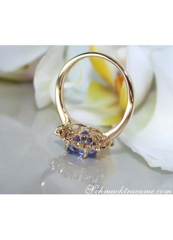 Delicate Tanzanite Snowflake Ring in Yellow gold 18k