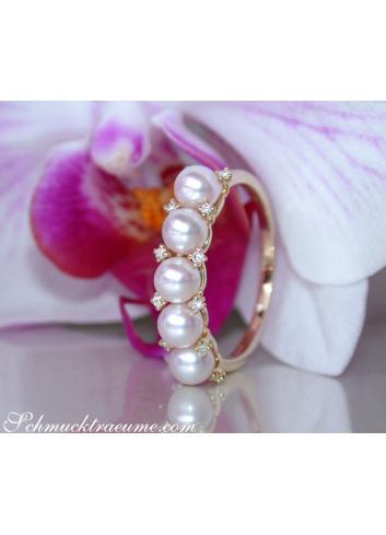 Femininer Baby Akoya Perlen Ring mit Diamanten