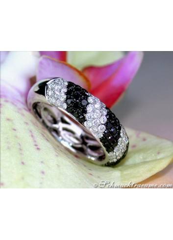 Casual Smart Black & White Diamond Ring
