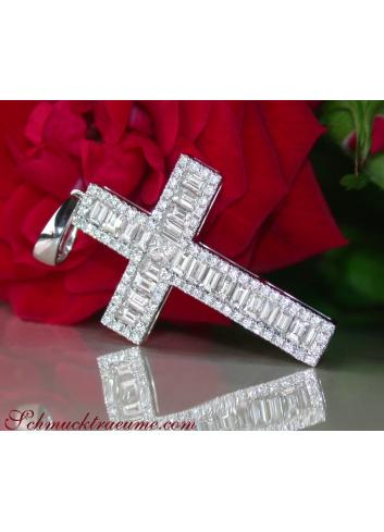 Ausgesuchter Kreuz Anhänger mit Baguette Diamanten
