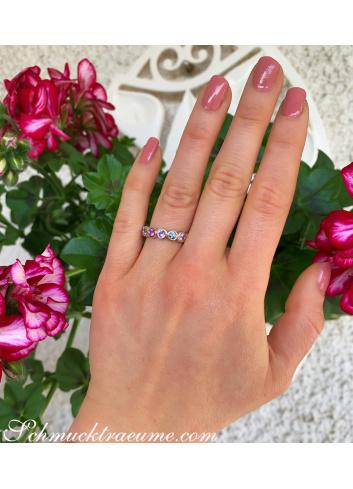 Saphir Memory Ring in zarten Pastelltönen