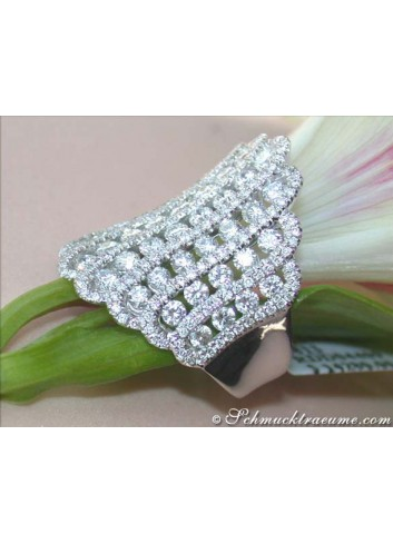 Prestigeous & Extra wide Diamond Ring