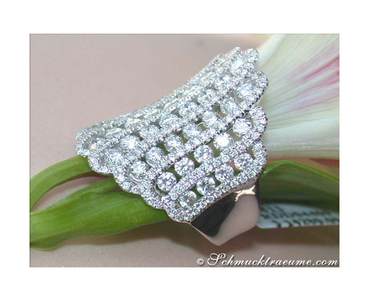 Prestigeous & Extra wide Diamond Ring