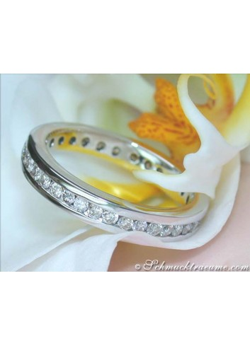Pretty Diamond Eternity Ring