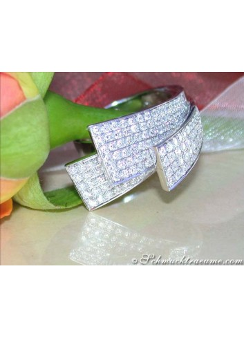 Exclusive Diamond Ring