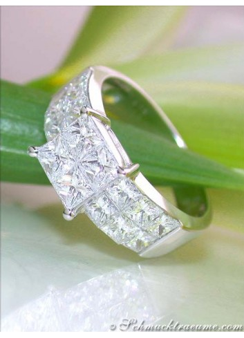 Noble Diamond Ring