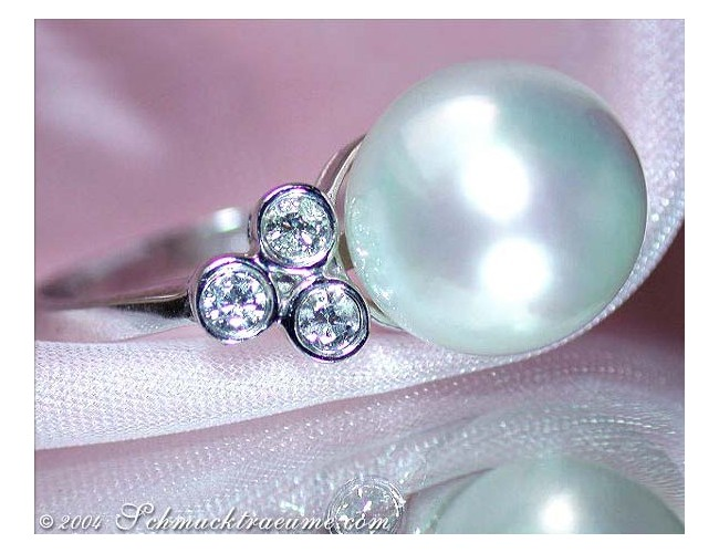 Timeless Southsea Pearl Ring with Diamonds in White gold 14k