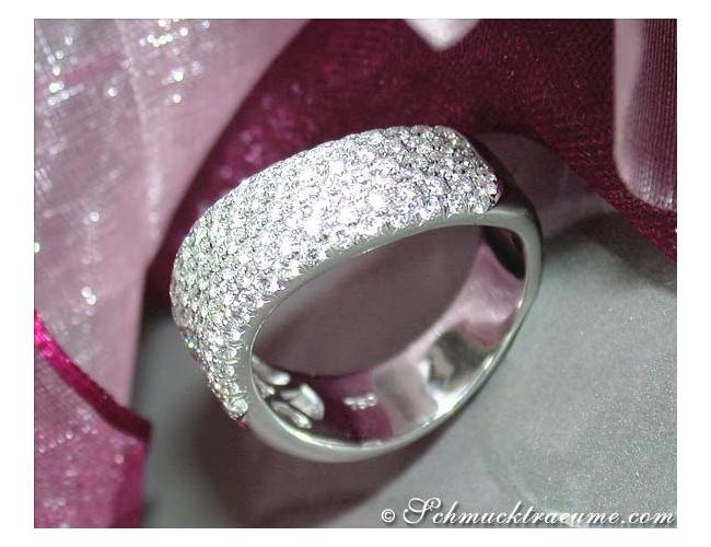 Geschwungener Diamant Ring in Weißgold 750