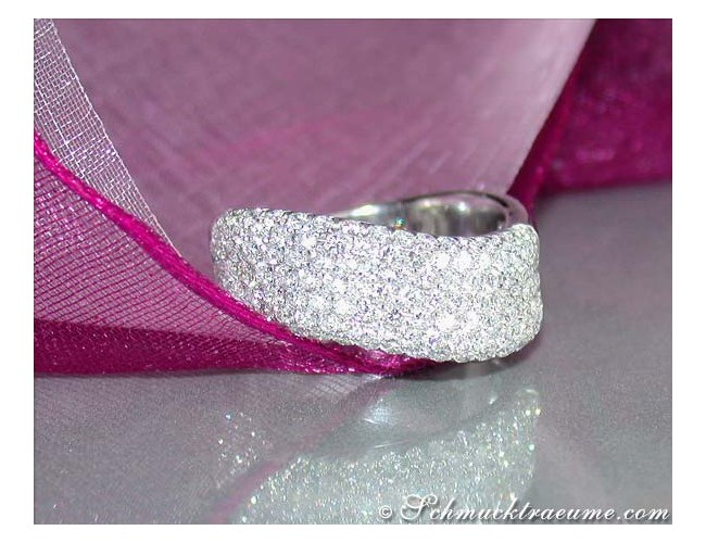 Curved Diamond Ring in White gold 18k