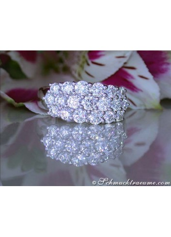 Picture Perfect Diamond Ring in White gold 18k