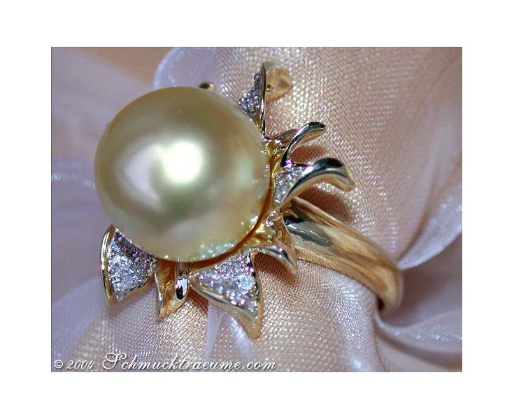 Southsea Pearl Diamond Ring (Blossom Design)