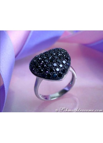 Cute Black Diamond Heart Ring