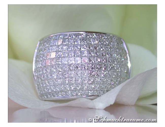 Opulent Princess Diamond Ring
