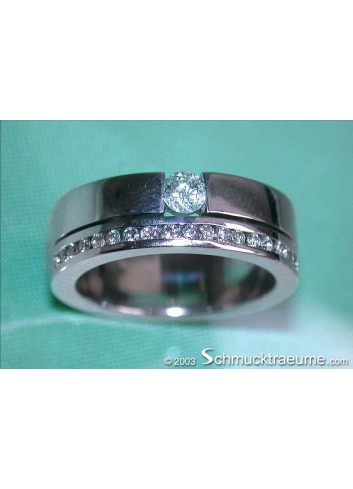 Attractive Diamond Solitaire Ring