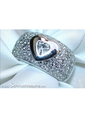 Stately Diamond Heart Solitaire Ring
