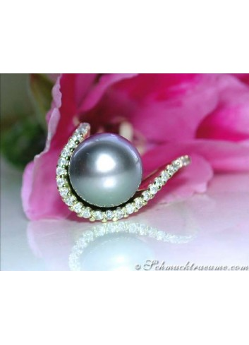 Precious Tahitian Pearl Ring with Diamond Collar in Yellow Gold