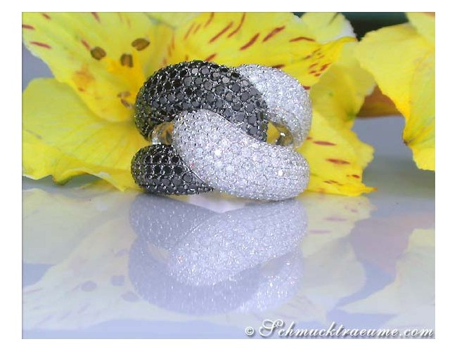 Voluminous Black & White Diamond Ring