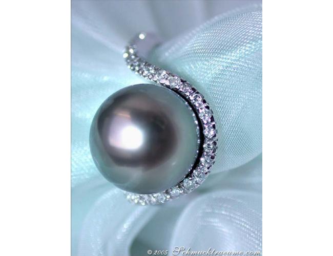 Precious Tahitian Pearl Ring with Diamonds