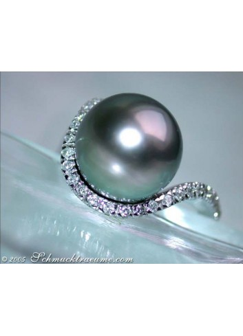 Precious Tahitian Pearl Ring with Diamond Collar in White gold