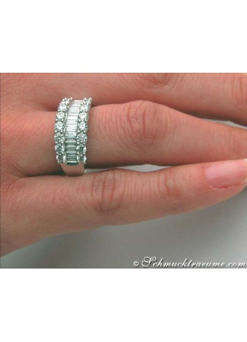 Terrific Baguette Cut Diamond Ring