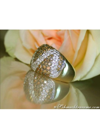 Ring mit braunen Diamanten