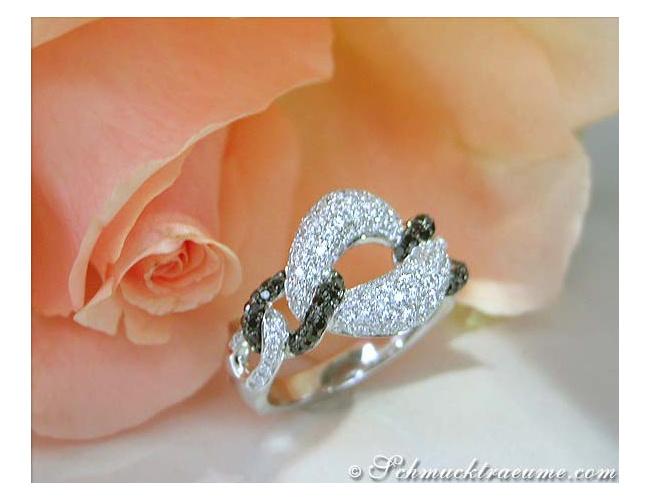 Elegant Black & White Diamond Link Style Ring