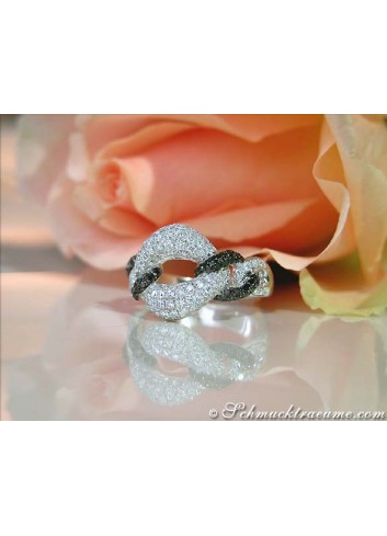 Elegant Black & White Diamond Link Style Ring