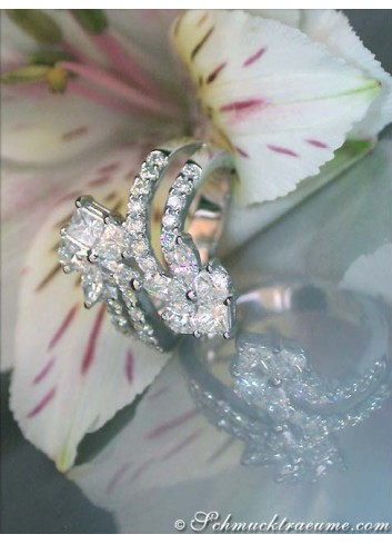 Elegant Diamond Heart Ring (1,88 ct.)
