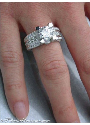 Noble Diamond Solitaire Ring (3,92 ct.)